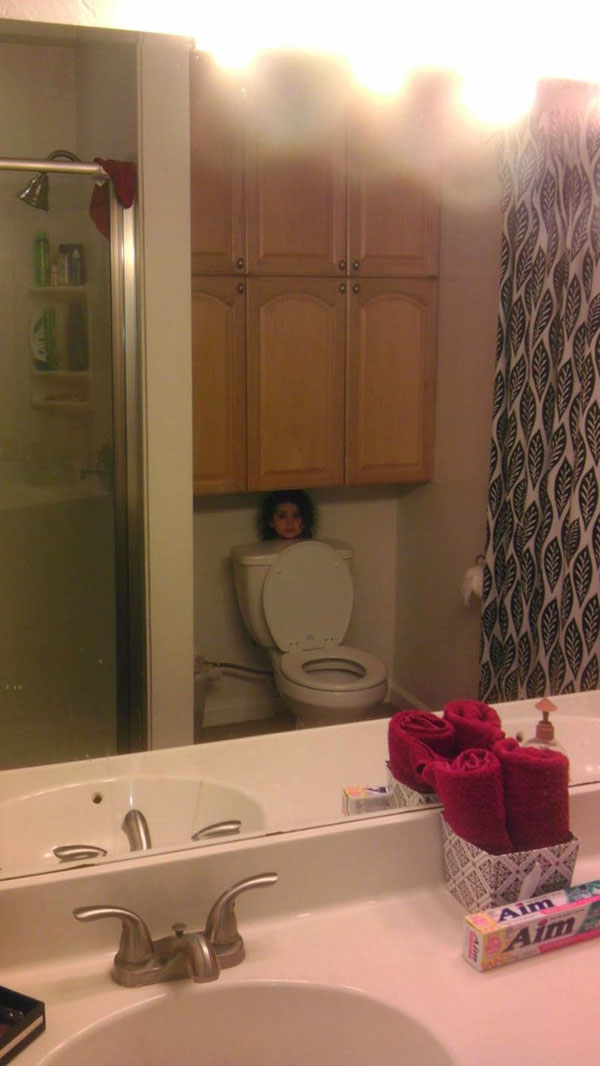 Pictures of kids who are bad at hide and seek. (19)