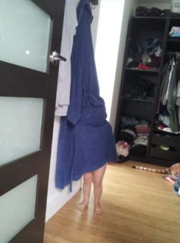 Pictures of kids who are bad at hide and seek. (10)