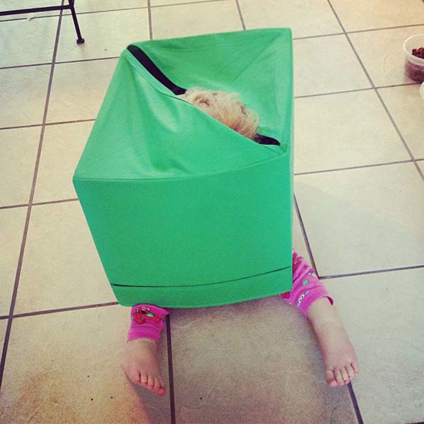 Pictures of kids who are bad at hide and seek. (6)