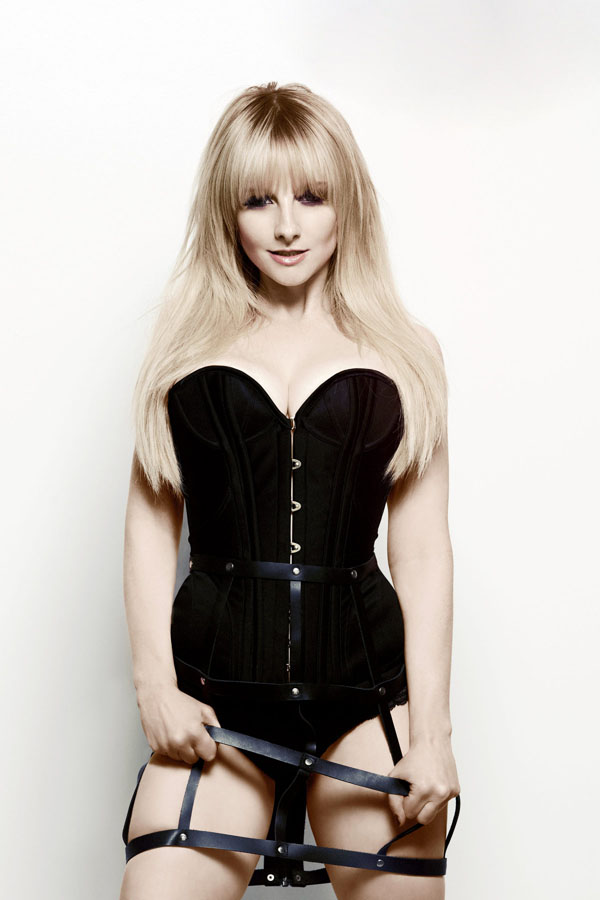 Melissa Rauch sexiest pictures from her hottest photo shoots. (22)