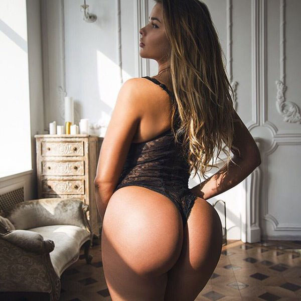 Anastasia Kvitko sexiest pictures from her hottest photo shoots. (56)