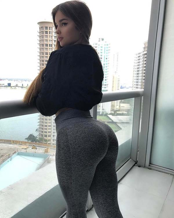Anastasia Kvitko sexiest pictures from her hottest photo shoots. (45)