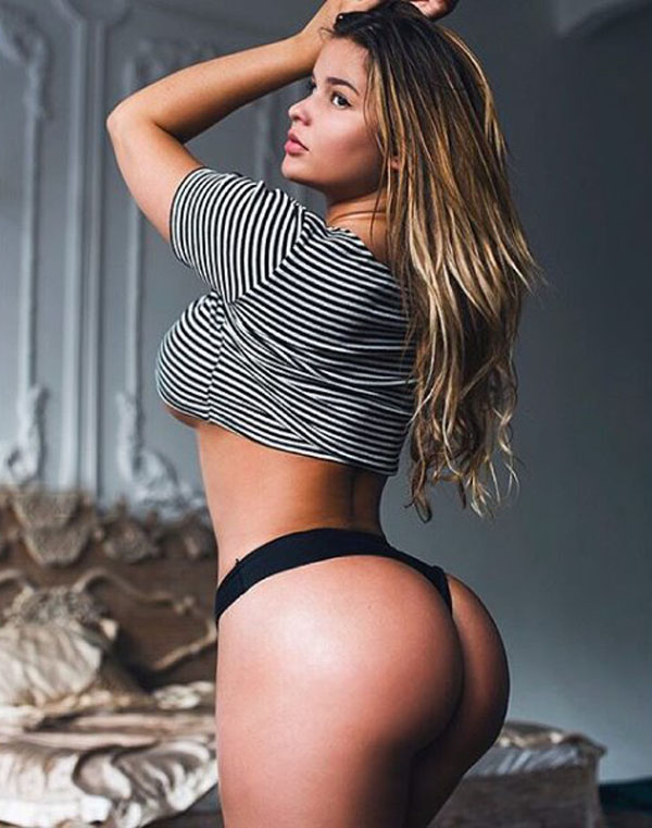 Anastasia Kvitko sexiest pictures from her hottest photo shoots. (42)