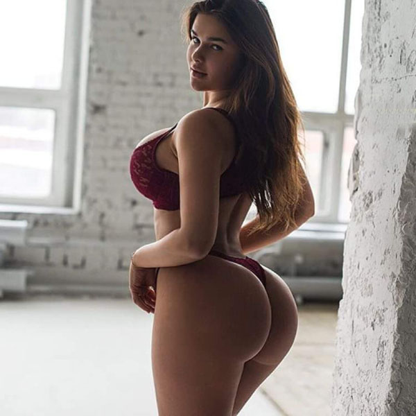 Anastasia Kvitko sexiest pictures from her hottest photo shoots. (39)
