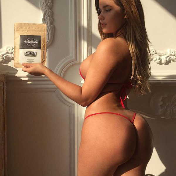 Anastasia Kvitko sexiest pictures from her hottest photo shoots. (33)