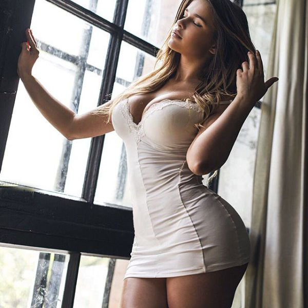Anastasia Kvitko sexiest pictures from her hottest photo shoots. (29)