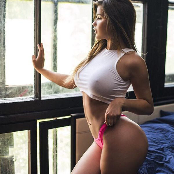 Anastasia Kvitko sexiest pictures from her hottest photo shoots. (15)