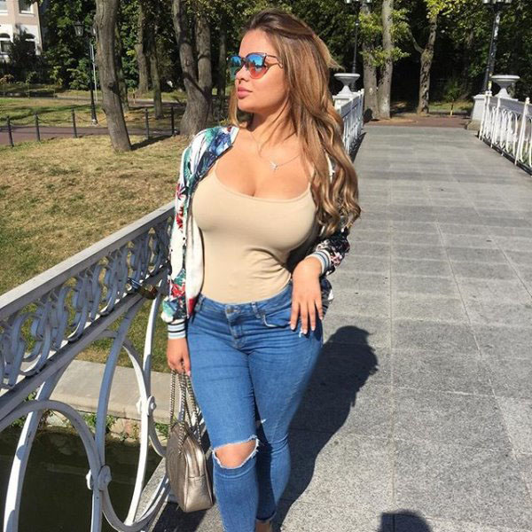Anastasia Kvitko sexiest pictures from her hottest photo shoots. (14)