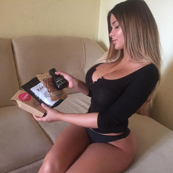 Anastasia Kvitko sexiest pictures from her hottest photo shoots. (12)