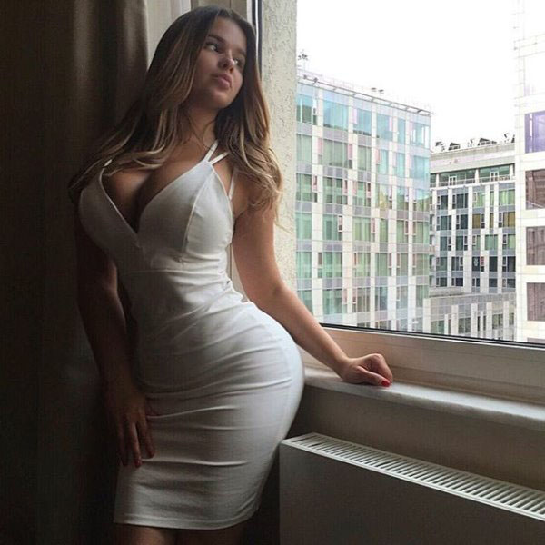 Anastasia Kvitko sexiest pictures from her hottest photo shoots. (11)