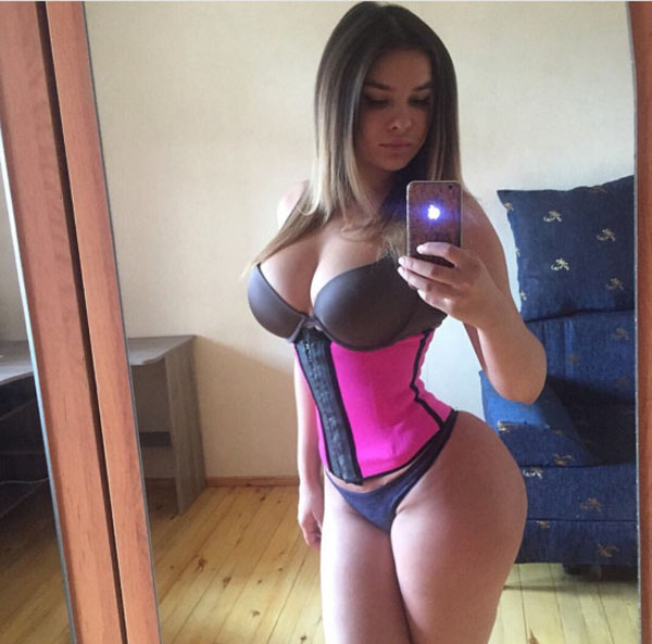 Anastasia Kvitko sexiest pictures from her hottest photo shoots. (6)