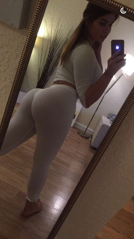 Anastasia Kvitko sexiest pictures from her hottest photo shoots. (1)