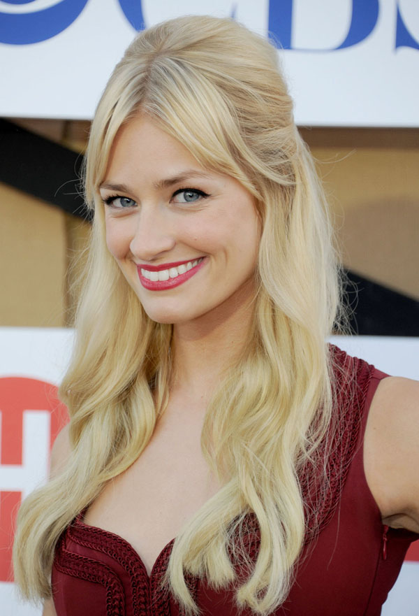 Beth Behrs sexiest pictures from her hottest photo shoots. (14)