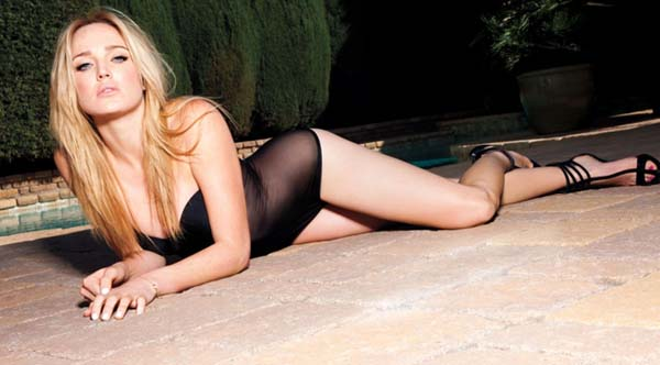 Caity Lotz sexiest pictures from her hottest photo shoots. (41)