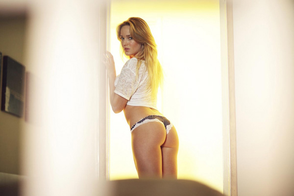 Caity Lotz sexiest pictures from her hottest photo shoots. (37)