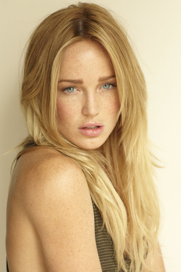 Caity Lotz sexiest pictures from her hottest photo shoots. (32)