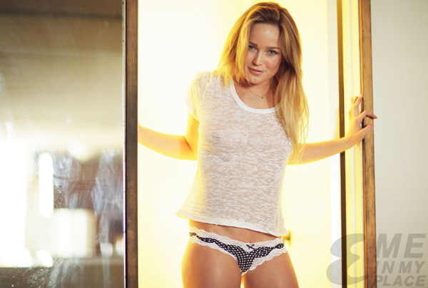 Caity Lotz sexiest pictures from her hottest photo shoots. (24)