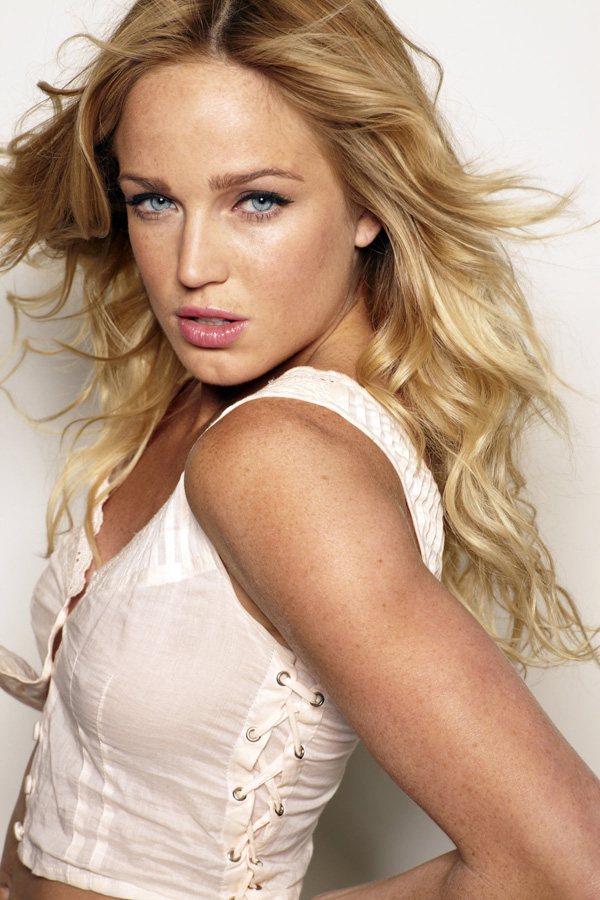 Caity Lotz sexiest pictures from her hottest photo shoots. (20)