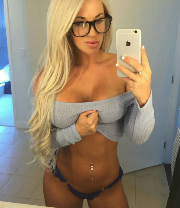 Laci Kay Somers sexiest pictures from her hottest photo shoots. (27)