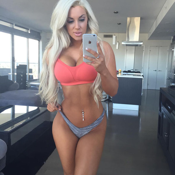 Laci Kay Somers sexiest pictures from her hottest photo shoots. (21)