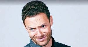 Walking Dead dude Ross Marquand celebrity impressions video.