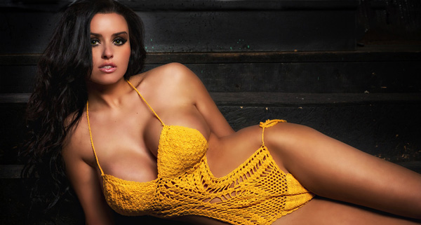 Abigail Ratchford sexiest pictures from her hottest photo shoots. (19)