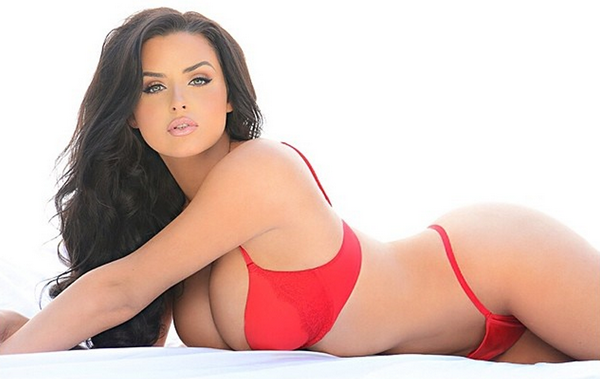Abigail Ratchford sexiest pictures from her hottest photo shoots. (15)