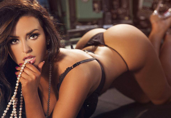 Abigail Ratchford sexiest pictures from her hottest photo shoots. (8)
