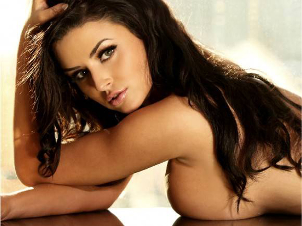Abigail Ratchford sexiest pictures from her hottest photo shoots. (1)