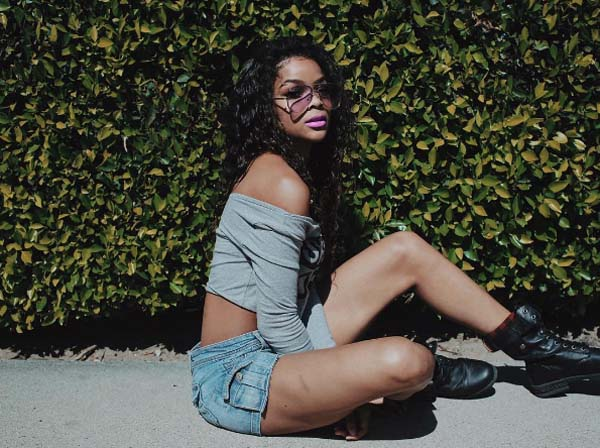 Ajiona Alexus sexiest pictures from her hottest photo shoots. (16)