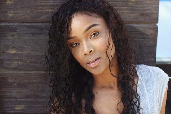 Ajiona Alexus sexiest pictures from her hottest photo shoots. (2)