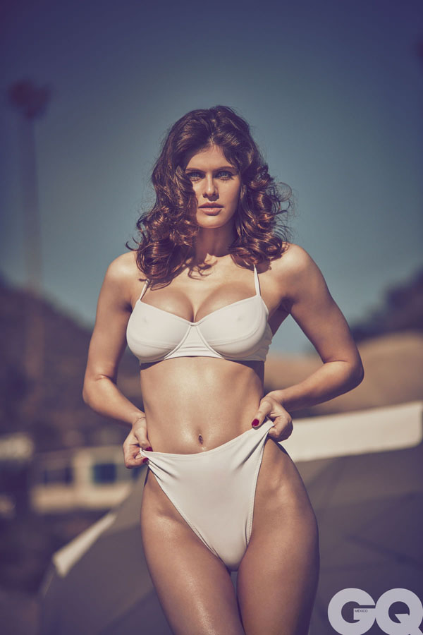 Alexandra Daddario sexiest pictures from her hottest photo shoots. (50)