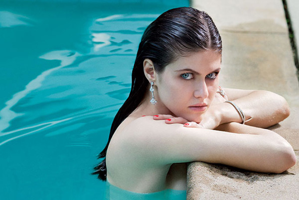 Alexandra Daddario sexiest pictures from her hottest photo shoots. (26)