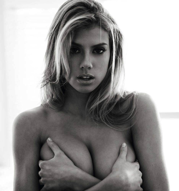 Charlotte McKinney sexiest pictures from her hottest photo shoots. (29)