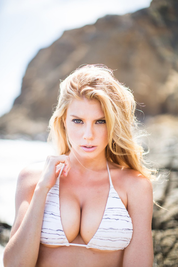 Charlotte McKinney sexiest pictures from her hottest photo shoots. (10)