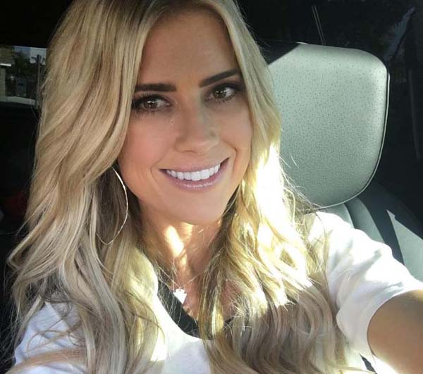 Christina El Moussa sexiest pictures from her hottest photo shoots. (12)