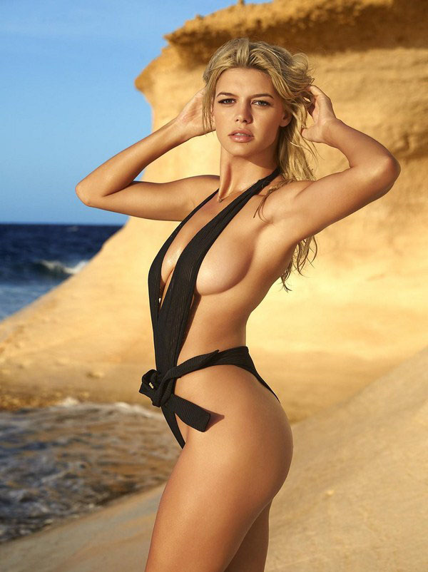 Kelly Rohrbach sexiest pictures from her hottest photo shoots. (43)