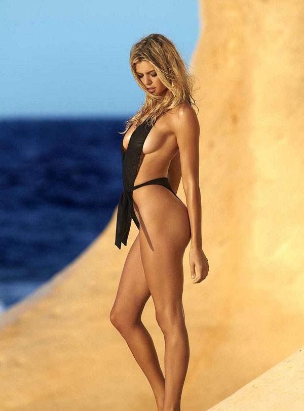 Kelly Rohrbach sexiest pictures from her hottest photo shoots. (40)
