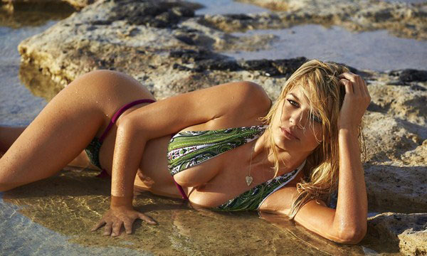 Kelly Rohrbach sexiest pictures from her hottest photo shoots. (13)