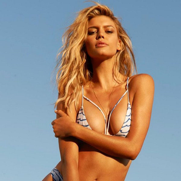 Kelly Rohrbach sexiest pictures from her hottest photo shoots. (11)