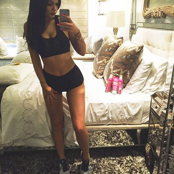 Kylie Jenner sexiest pictures from her hottest photo shoots. (9)