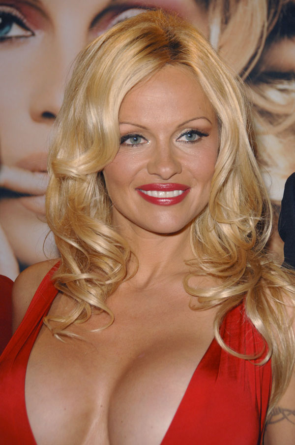Pamela Anderson sexiest pictures from her hottest photo shoots. (25)