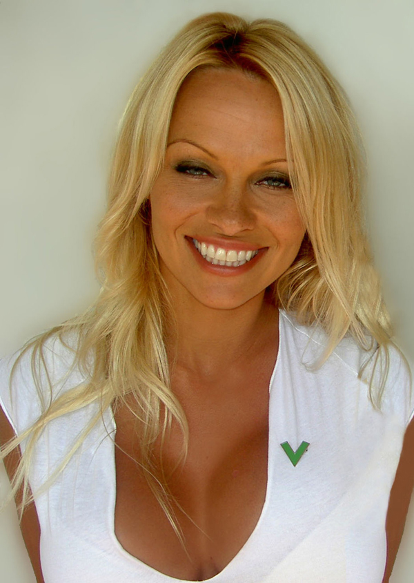Pamela Anderson sexiest pictures from her hottest photo shoots. (6)