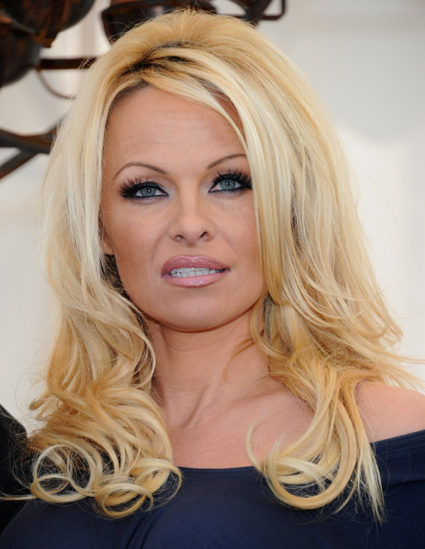 Pamela Anderson sexiest pictures from her hottest photo shoots. (2)
