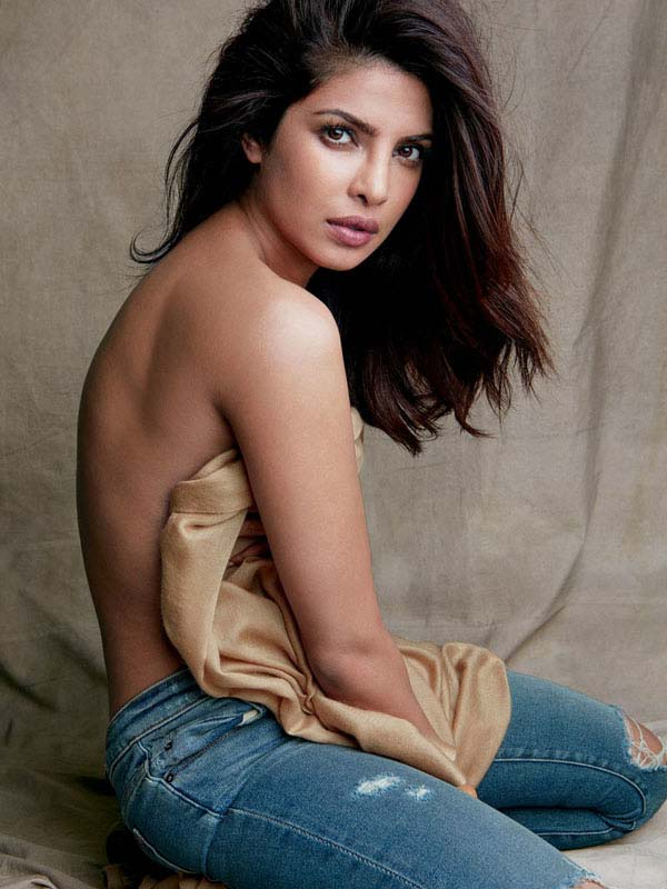Priyanka Chopra sexiest pictures from her hottest photo shoots. (43)
