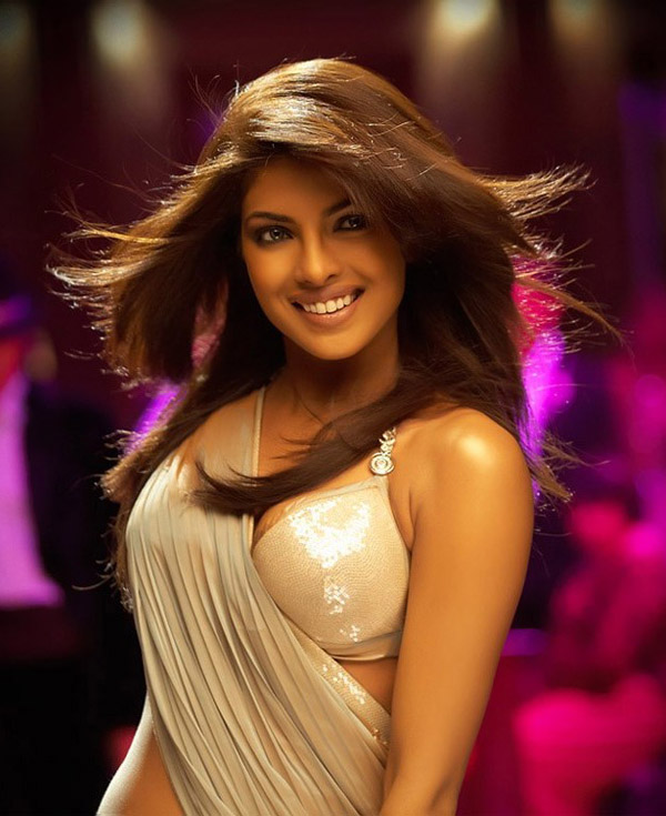 Priyanka Chopra sexiest pictures from her hottest photo shoots. (42)
