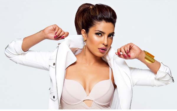 Priyanka Chopra sexiest pictures from her hottest photo shoots. (25)