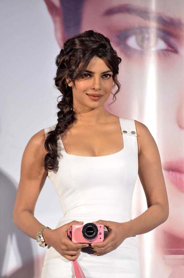 Priyanka Chopra sexiest pictures from her hottest photo shoots. (16)