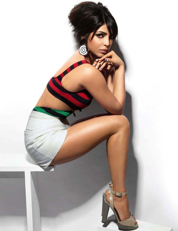 Priyanka Chopra sexiest pictures from her hottest photo shoots. (8)
