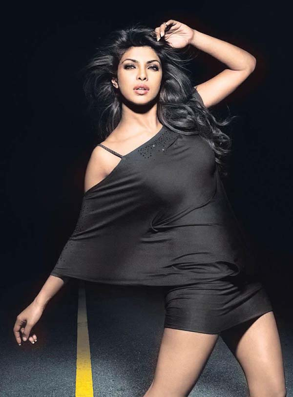 Priyanka Chopra sexiest pictures from her hottest photo shoots. (3)